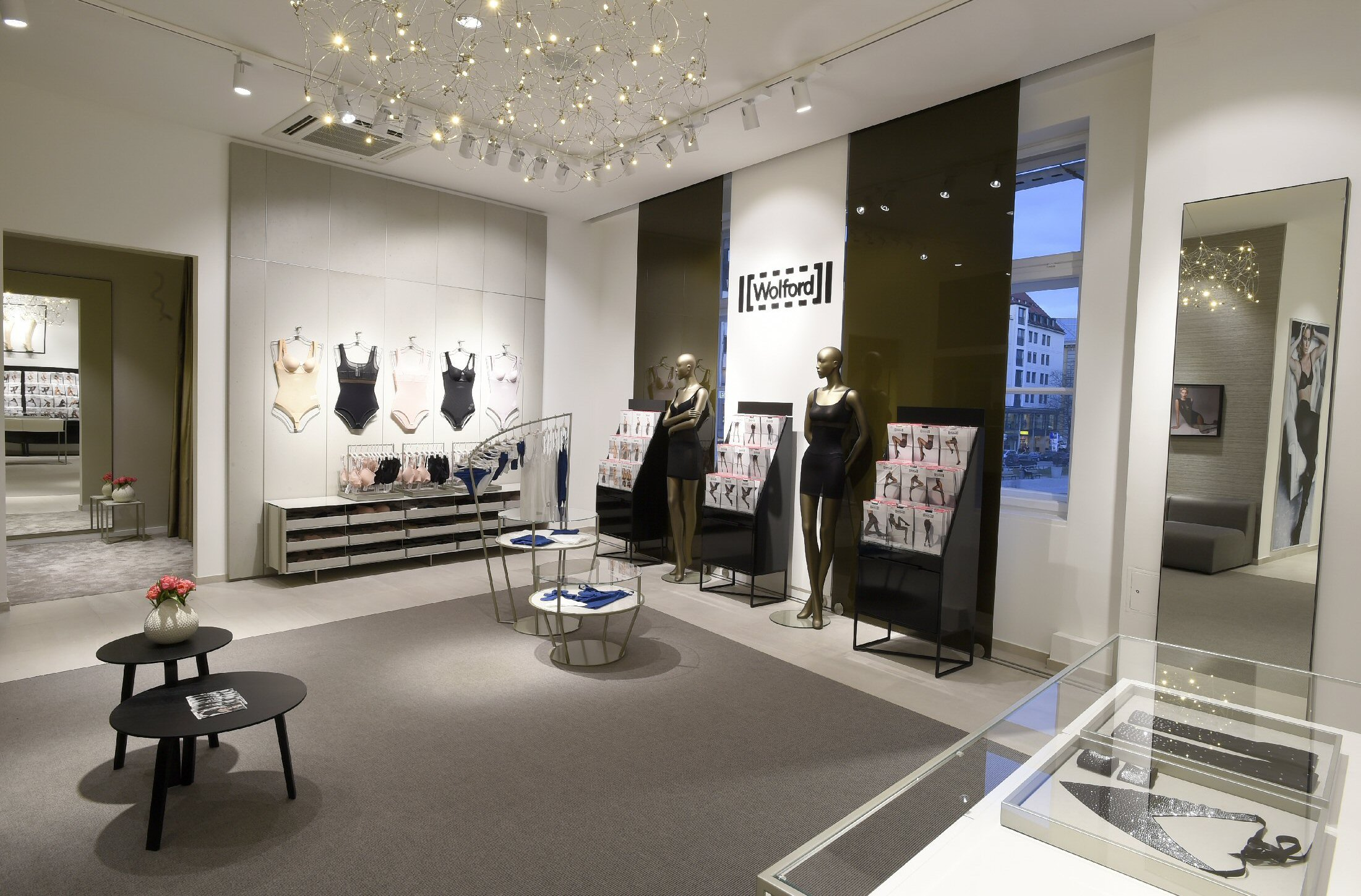 Wolford Flagship-03